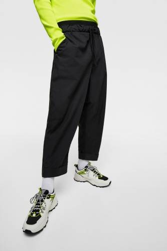 TECHNICAL TROUSERS WITH POCKETS